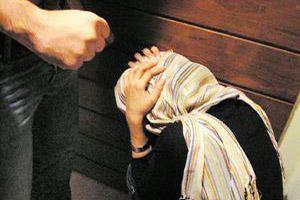 تجاوز بی رحمانه به دختری در سالن بازیگری (عکس)