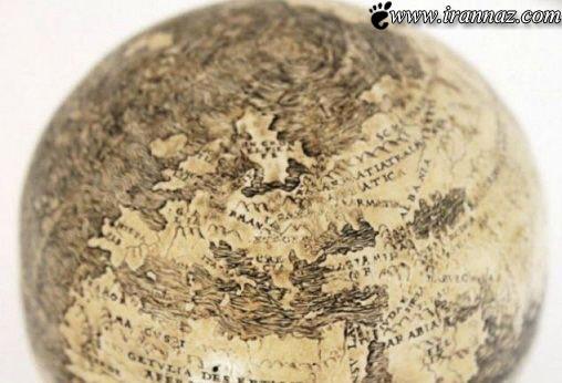 طراحی نقشه ی جهان بروی تخم شتر مرغ (عکس)