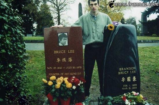 رابطه ی این مرد با قبر های افراد مشهور (عکس)