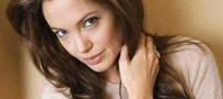 علاقه ی زیاد آنجلینا جولی به ابزار کشنده (عکس)