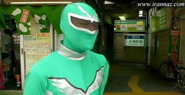 کار باورنکردنی این مرد در مترو توکیو (عکس)