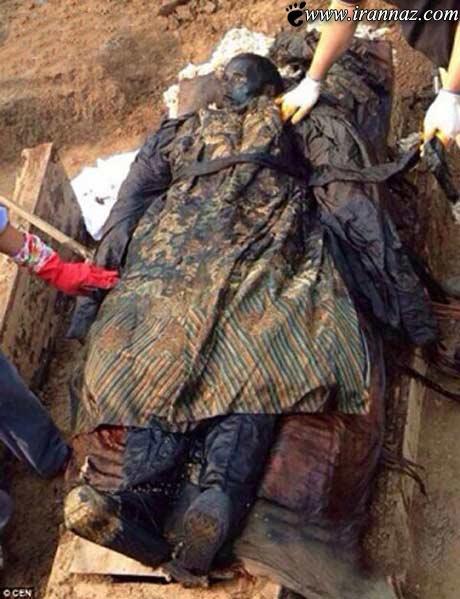 کشف یک گورستان 300 ساله عجیب (عکس)