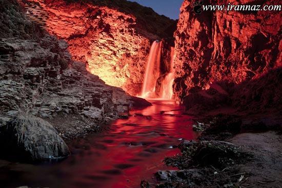 عکس هایی از آبشاری که مانند رنگین کمان است