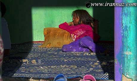 این دختر 6 ساله نمی تواند به خودش نگاه کند (عکس)