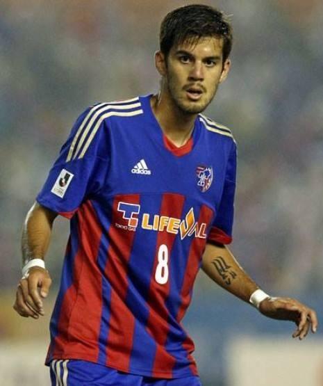 خالکوبی جالب فوتبالیست ایرانی را ببینید (عکس)