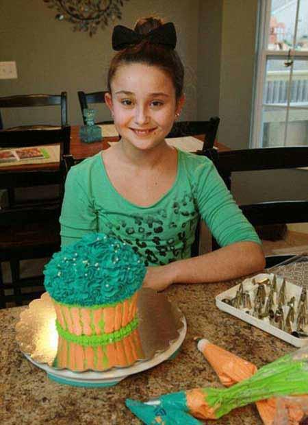 شغل بسیار پر در آمد این دختر یازده ساله (عکس)
