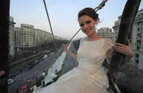 ثبت بلندترین لباس عروس دنباله دار در گینس (عکس)