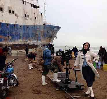 تصویری جالب از الناز شاکر دوست در کنار دریای خزر