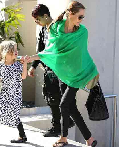 عکس های جدید آنجلینا جولی در فرودگاه لوس آنجلس