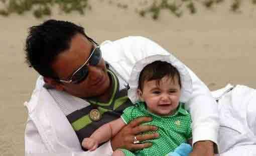 خواننده محبوب و نسل جوان در کنار فرزندش! (عکس)