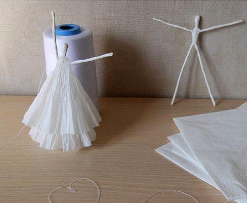آموزش تصویری ساخت عروسک زیبا با دستمال کاغذی