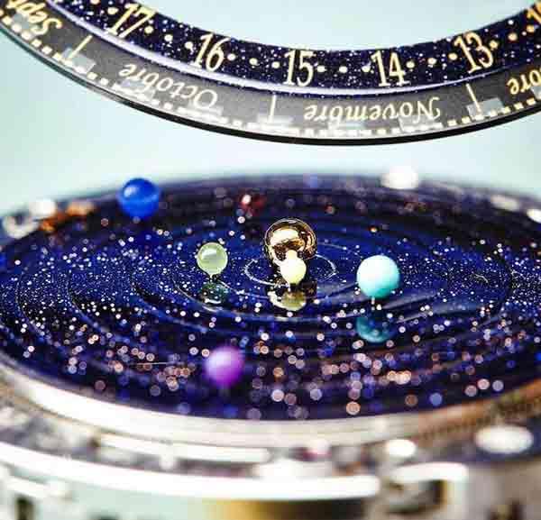 تا به حال ساعت مچی فضایی دیده بودید ؟! (عکس)