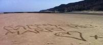 خواستگاری شگفت انگیز این آقا در ساحل! (عکس)
