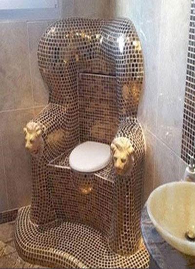 عکس جالب از سرویس بهداشتی ساخته شده از طلا