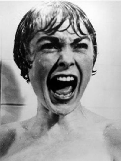 چرا این پسر از حمام کردن وحشت دارد! (عکس)
