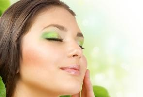 راهکارهای عالی برای رهایی از خشکی پوست