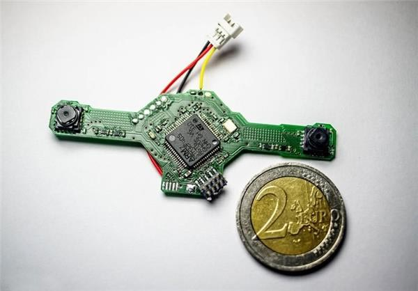 ساخت هواپیمای کوچک بدون سرنشین (عکس)