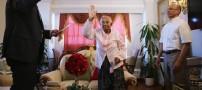 پیرزن 101 ساله شهروند آمریکا شد (عکس)