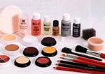 ارتباط سردرد با مصرف لوازم آرایشی
