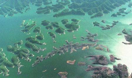 شهر گمشده زیر آب در چین (عکس)