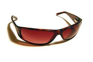 از کجا بفهمیم عینک آفتابی استاندارد است؟