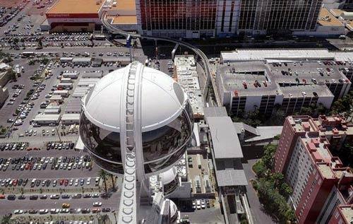 تصاویری از بزرگترین چرخ و فلک جهان (عکس)