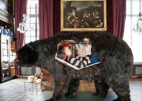 این مرد در جسد یک خرس زندگی می کند! (عکس)