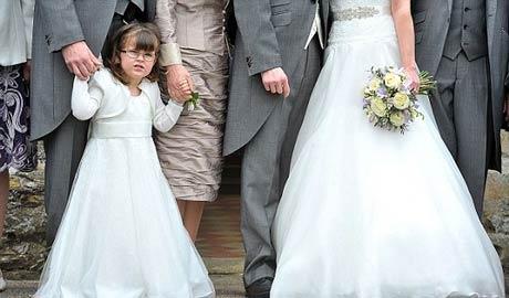 این دختر در عروسی همه را حیرت زده کرد! (عکس)