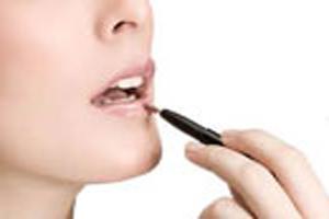 نکاتی جالب درباره استفاده از برق لب در آرایش