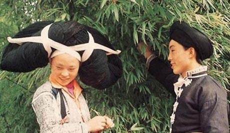 رسم عجیب و جالب در هنگام ازدواج دختران! (عکس)
