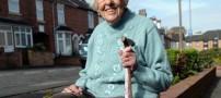 این خانم در سن 100 سالگی شنوا شد! (عکس)