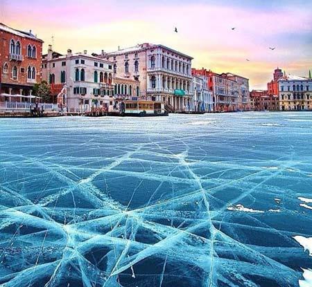 تصاویری دیدنی و خلاقانه از یخبندان شهر ونیز