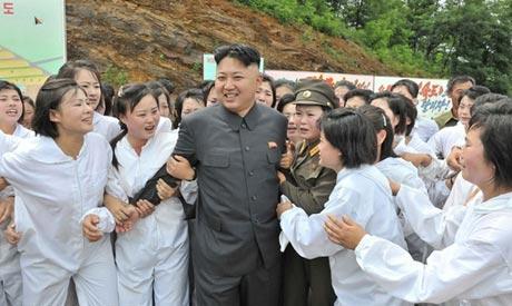 زنان مجذوب این مرد خوش چهره شده اند! (عکس)