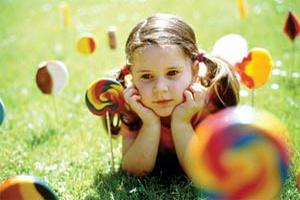 آشنایی با رشد عاطفی کودک در سنین مختلف