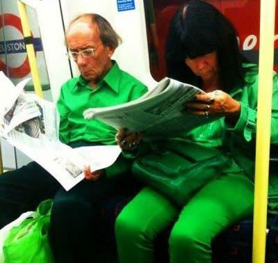 تصاویری از پوشش عجیب انسان ها در مترو لندن