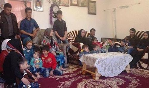 خانواده پرجمعیت جوان 34 ساله (عکس)