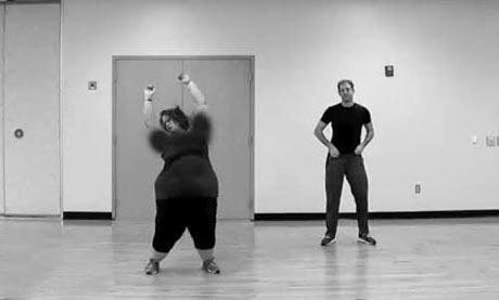 عکس های دیدنی از رقص جالب یک دختر چاق