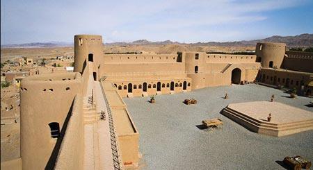آشنایی با مکان دیدنی و تاریخی قلعه بیرجند (عکس)