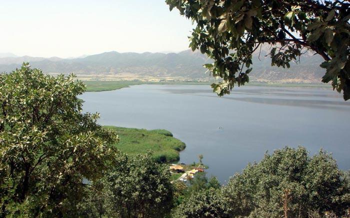 آشنایی با دوازده دریاچه شگفت انگیز و زیبای ایران(عکس)