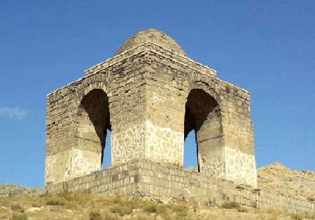 سفری خاطره انگیز به قمصر شهر گلاب ها (عکس)
