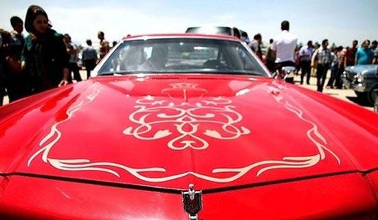 تصاویری از نمایشگاه خودرو های قدیمی در مشهد