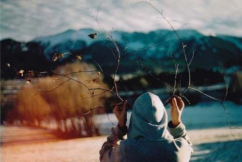 گلچینی از عکس های احساسی دختران تنها