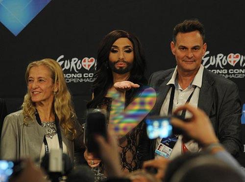 این خواننده برنده مسابقه یورو ویژن شد (عکس)