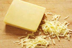 پنیر پیتزا را خودتان در خانه تهیه کنید