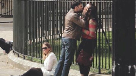 برخورد جالب عابران به دعوای خیابانی این زن و شوهر (عکس)