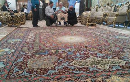 اهدای یک تخته فرش یک میلیون دلاری به حرم امام حسین (ع)