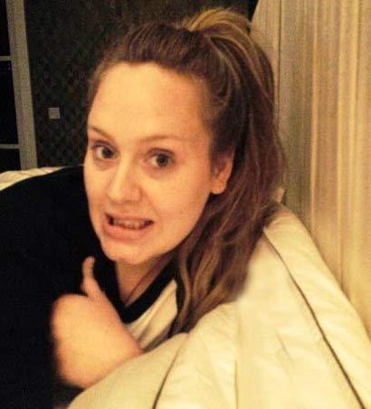 چهره بدون آرایش خواننده زن معروف (عکس)