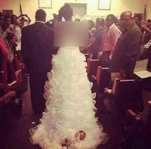 اقدام عجیب این زوج در مجلس عروسی شان ! (عکس)