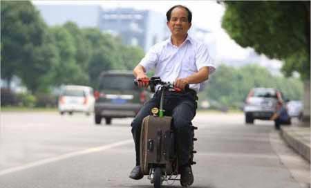 چمدان پیشرفته ای که میتواند شما را هم حمل کند
