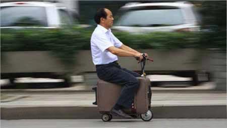 پیشرفته ترین چمدان هایی که شما را حمل می کنند (عکس)
